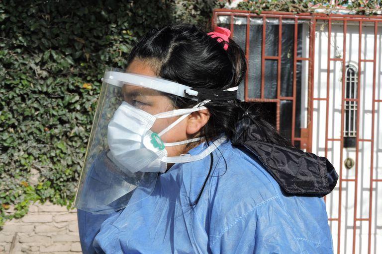 Bania tiene 32 años y dos hijos pequeños que durante el día se quedan al cuidado de su padre, que trabaja de noche