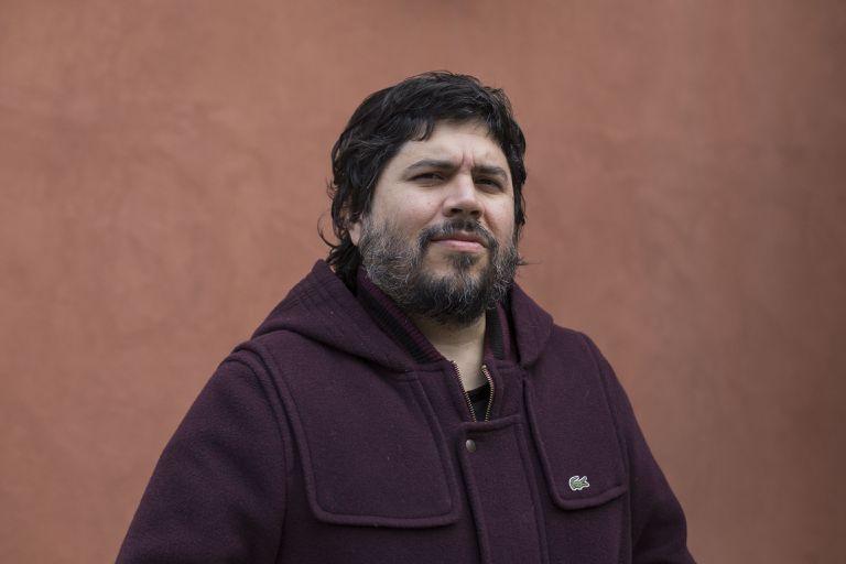 Santiago Motorizado: de su amor por Maradona y Gimnasia a su disco solista inspirado por Okupas