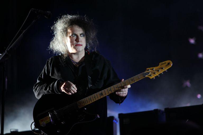 Robert Smith habló de los avances en los nuevos álbumes de The Cure y anticipó que sacará un disco solista en los próximos meses