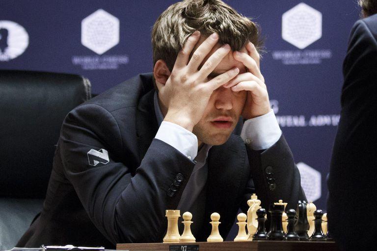 Ajedrez. ¿Qué pasa con Carlsen? Un campeón del mundo con errores de principiante