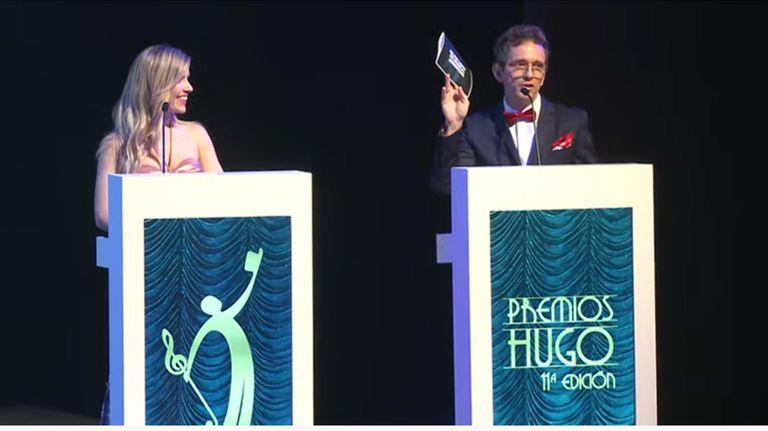 Laurita Fernández y Diego Reinhold se lucieron en la conducción