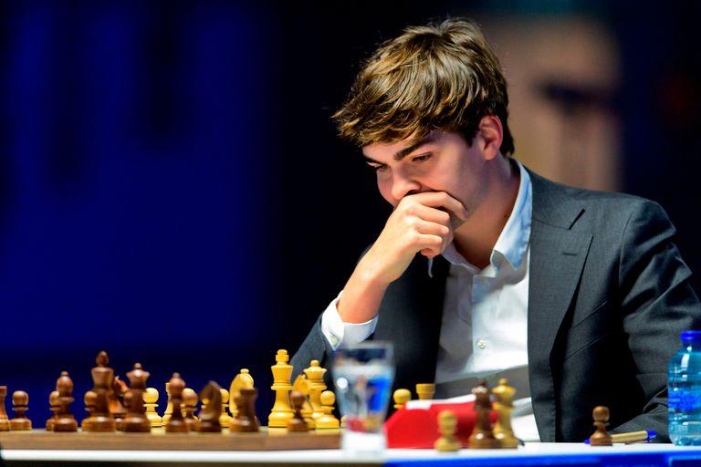 Impacto en el ajedrez: el N° 67 del mundo vence a Carlsen y a la élite