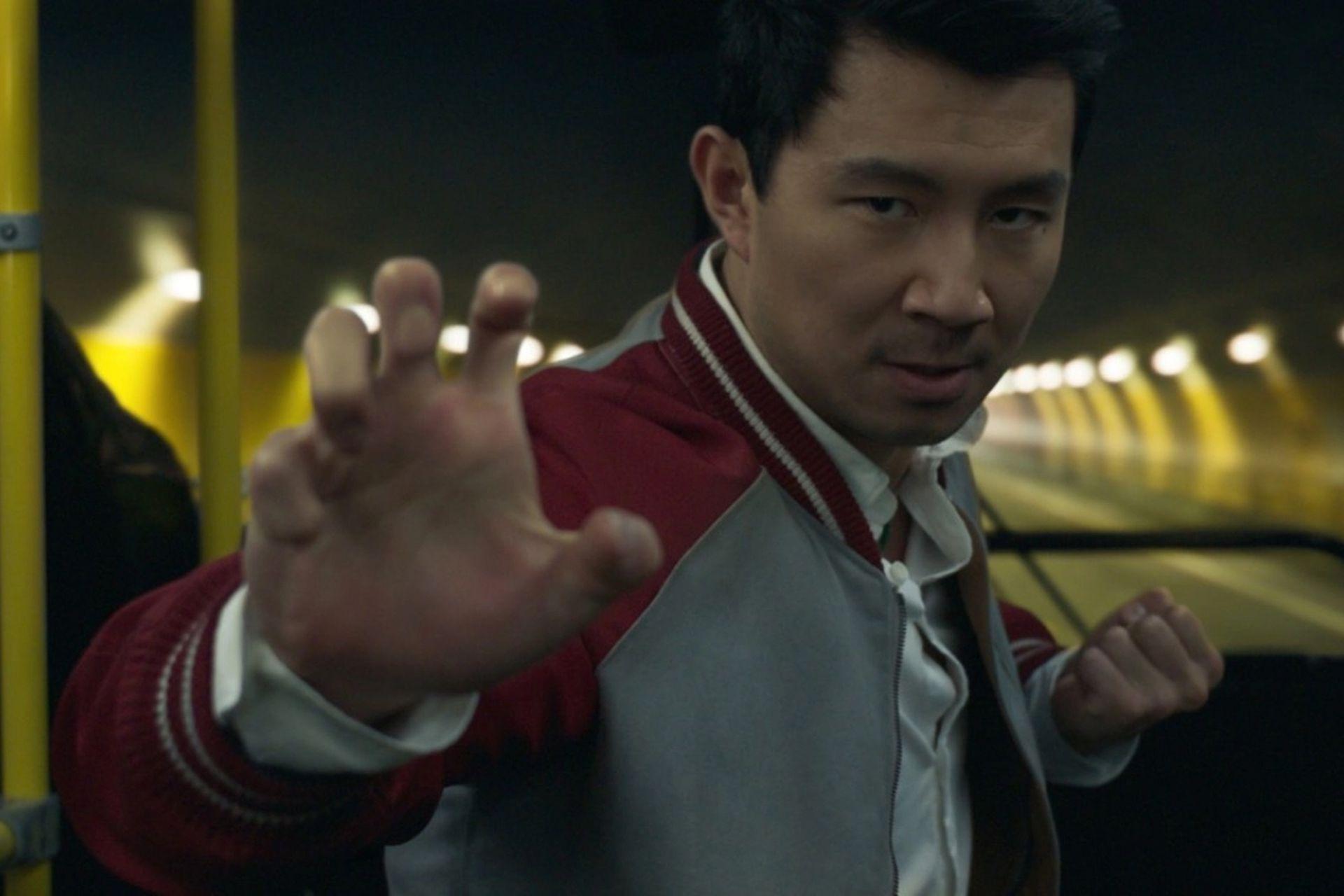 Simu Liu interpreta al héroe