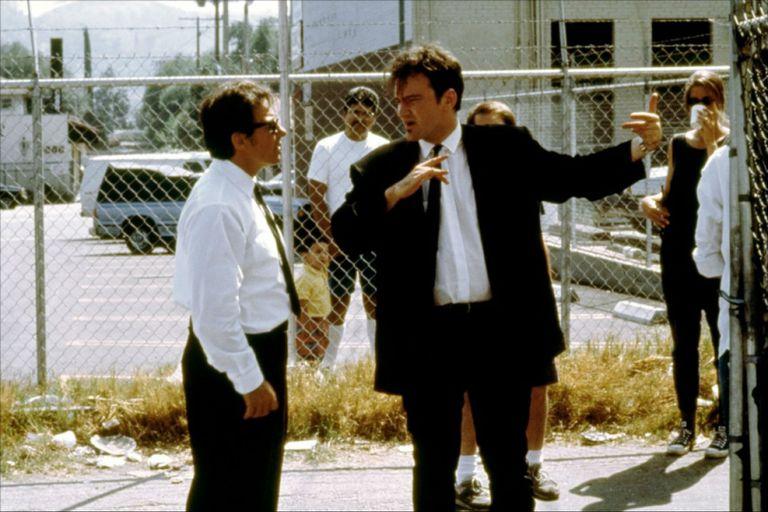 Quentin Tarantino en el rodaje de Perros de la calle, en su doble rol como actor y director.