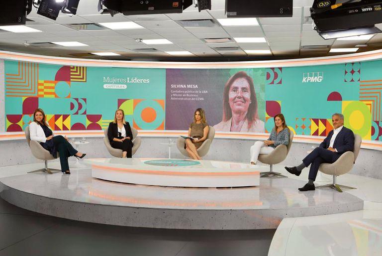 Carolina Cassinotti (Movistar), Virginia Gilligan (Bayer), Carla Quiroga (LA NACION), Silvina Mesa (Renault) y Néstor García (KPMG)
