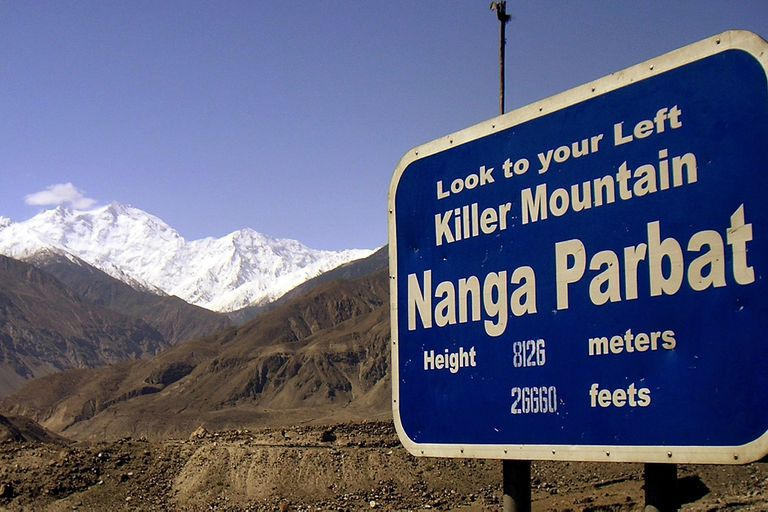 """Ballard era hijo de la alpinista Alison Hargreaves, la primera mujer que llegó a la cima del Everest en solitario y sin oxígeno y que murió en 1995 durante el descenso del K2M; él murió en Nanga Parbat, """"la montaña asesina"""""""
