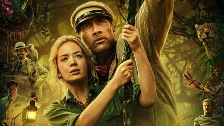 Emily Blunt y Dwayne Johnson protagonizan esta película que trae a la vida un juego de Disney World