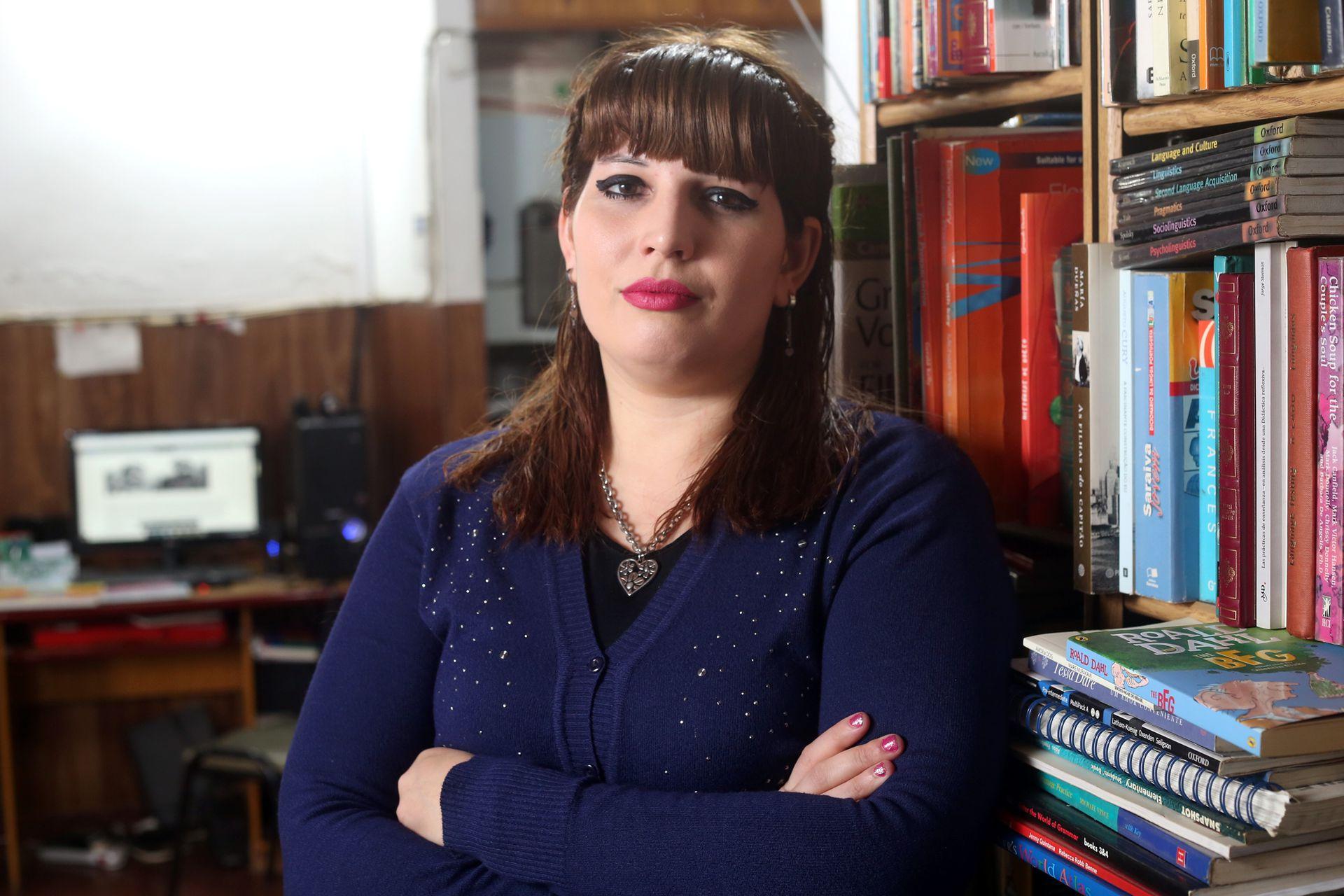 Paula Reutercecchetto es docente en cuatro escuelas públicas de Quilmes, tiene a su cargo 12 cursos y hace esfuerzos para lograr que sus alumnos se conecten