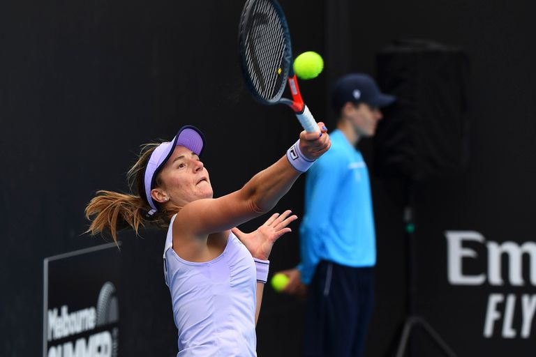 Tras un mágico 2020, en el que alcanzó las semifinales de Roland Garros e ingresó en el Top 50, Nadia Podoroska está compitiendo con muchas expectativas en Melbourne.