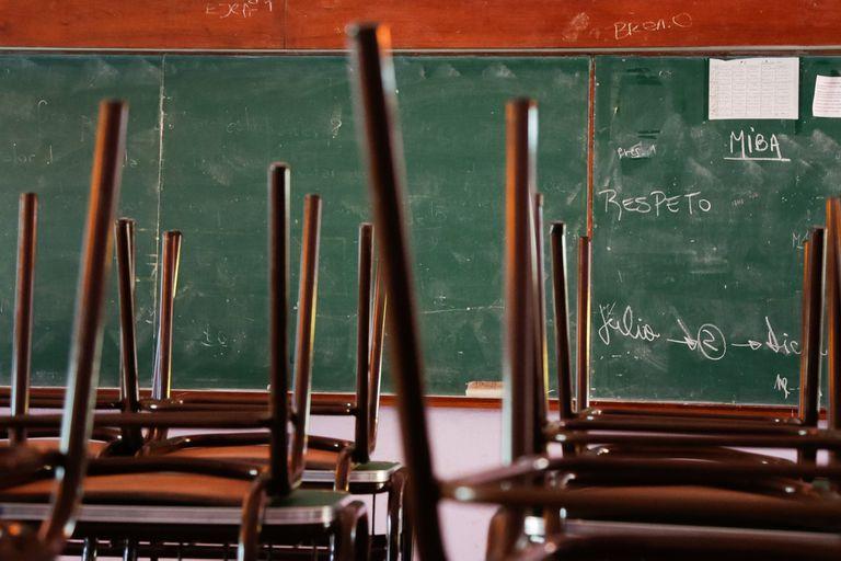 """Las aulas cerradas profundizaron, según varios especialistas, una """"tragedia educativa"""" con secuelas muy profundas en las nuevas generaciones"""