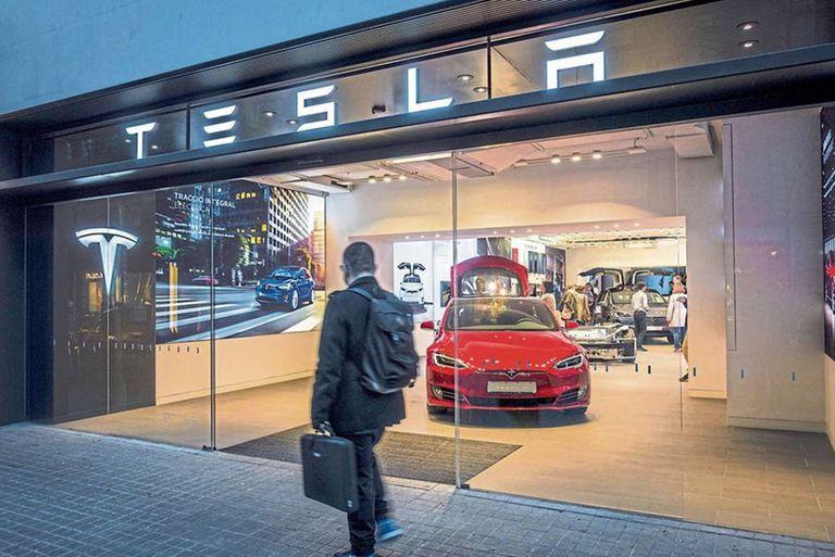 Tesla en el camino hacia la producción masiva de vehículos
