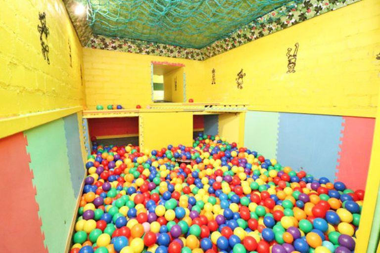 La espectacular sala de juegos que puede encontrarse en el sótano de la vivienda