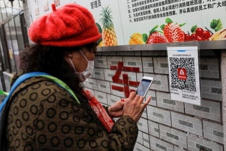 Muchos chinos descubrieron Internet de la mano de sus teléfonos inteligentes
