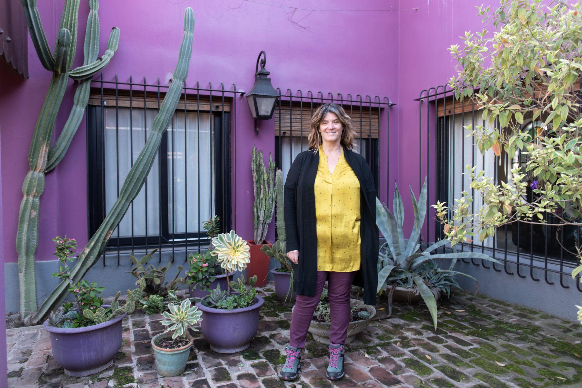 Paula, en uno de los rincones de su casa, ubicada en Los Nogales, un barrio residencial aledaño al barrio CUBA