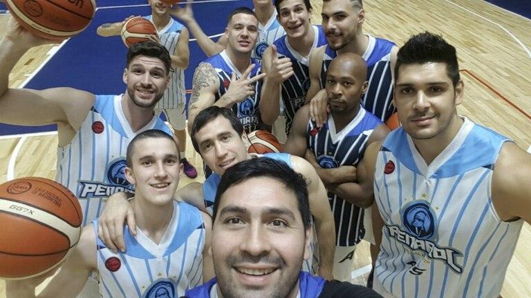 La selfie de Leo Gutiérrez, con sus compañeros de Peñarol