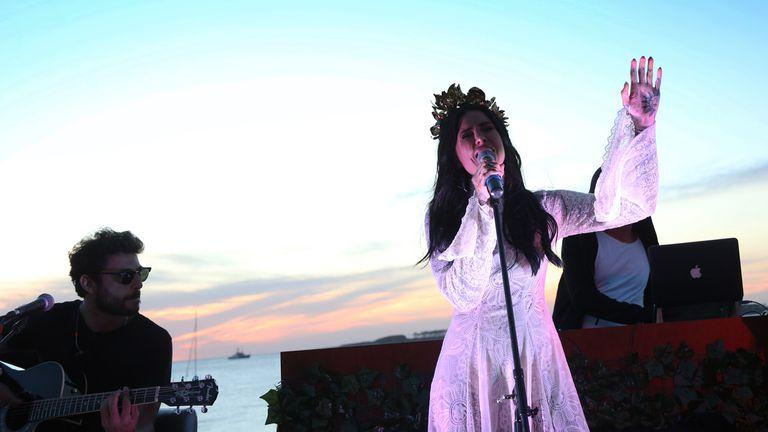 Así fue el recital de Candelaria Tinelli en Punta del Este