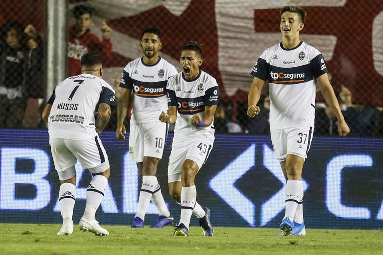 Gimnasia festejó al final, le dio una alegría a Maradona y frustró al Rojo