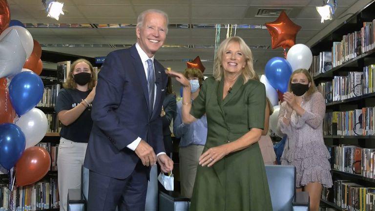 Joe Biden, su esposa Jill Biden y miembros de la familia Biden