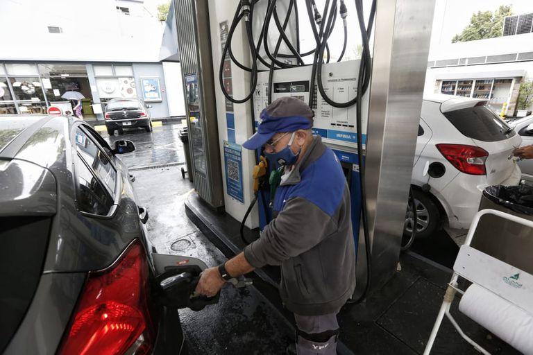 Estación de Servicio YPF por aumento de las naftas