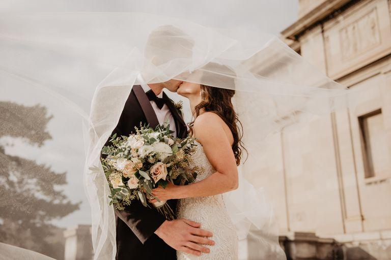 Cuál es la edad perfecta para casarse, según la ciencia