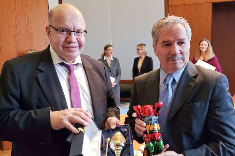 El ministro de Economía de Alemania le planteó a Solá la necesidad de encontrar una solución a una disputa que la Argentina mantiene con una empresa alemana ante el Ciadi