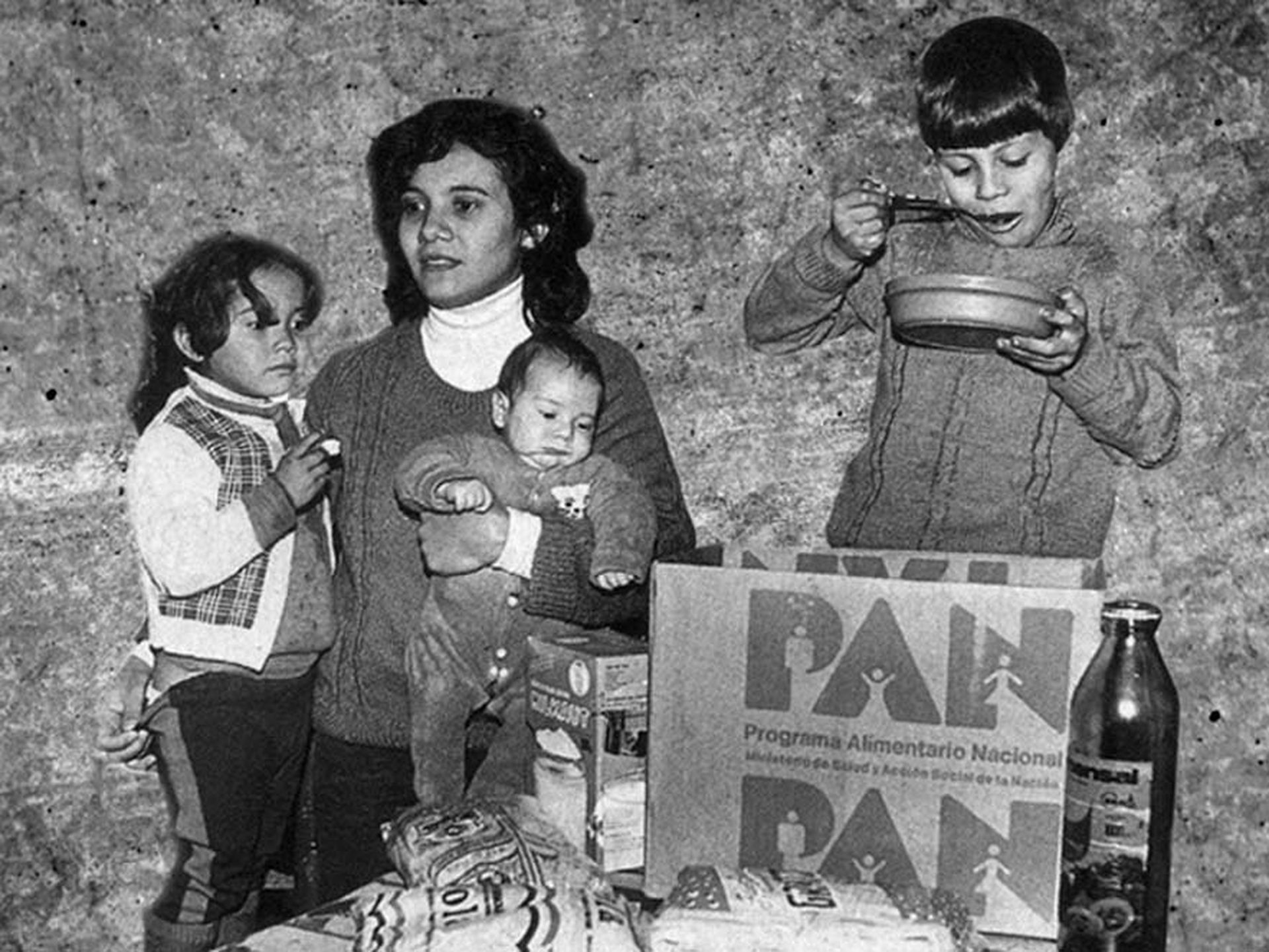 Las cajas PAN, un programa emblemático durante la presidencia de Alfonsín