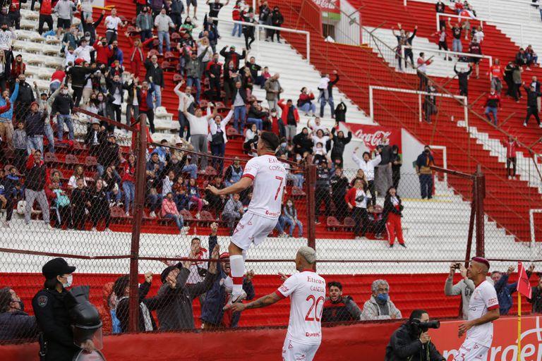 Huracán le ganó a Arsenal 1-0 con un festejo especial de Matías Cóccaro