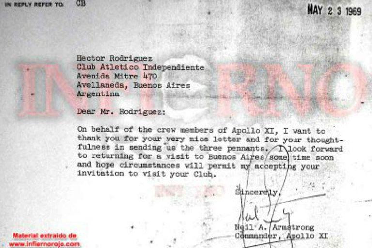 La carta que Neil Armstrong le envió a Independiente, en agradecimiento por los banderines y las camisetas que le habían regalado a los tripulantes del Apolo 11