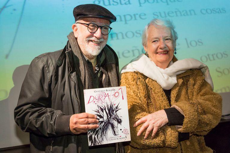 Luis Scafati y Laura Devetach en el homenaje a Gustavo Roldán