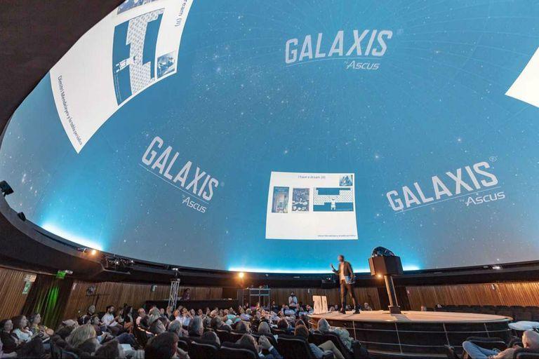 El producto se lanzó el jueves pasado en el Planetario