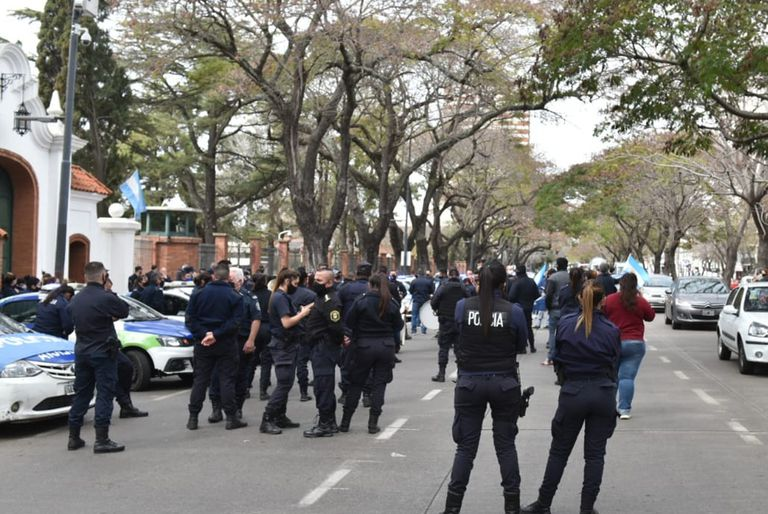 Las manifestaciones llegaron a la residencia presidencial de Olivos