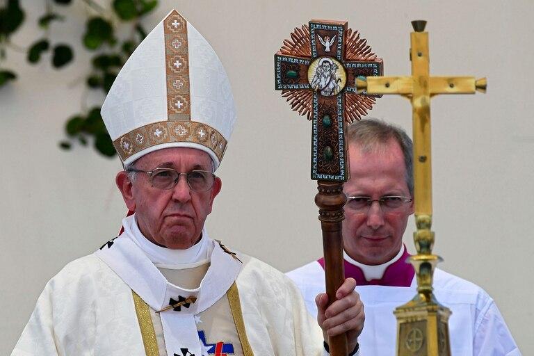 Pese al entusiasmo de los presentes, el Papa se mostró frío con la elite empresarial y política