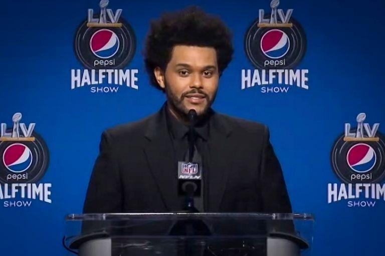 The Weeknd, también conocido como Abel Makkonen Tesfaye, habla durante la conferencia de prensa virtual antes del Super Bowl LV Halftime Show que protagonizará hoy en Tampa, Florida.