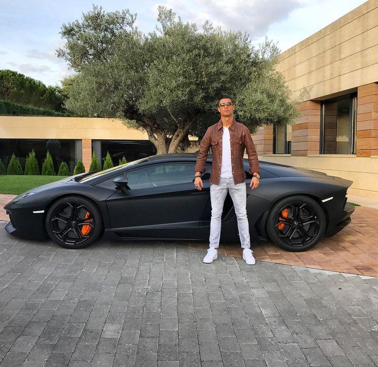 Ronaldo y su Lamborghini Aventador.