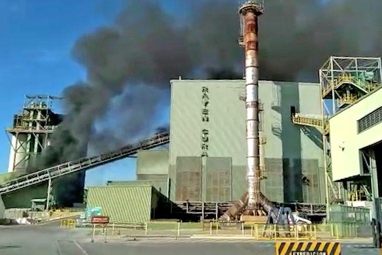 Un incendio en una planta profundiza la falta de botellas