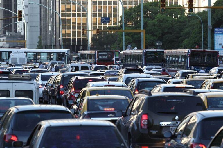 Además de cortes, habrá modificaciones en el estacionamiento y en el transporte público