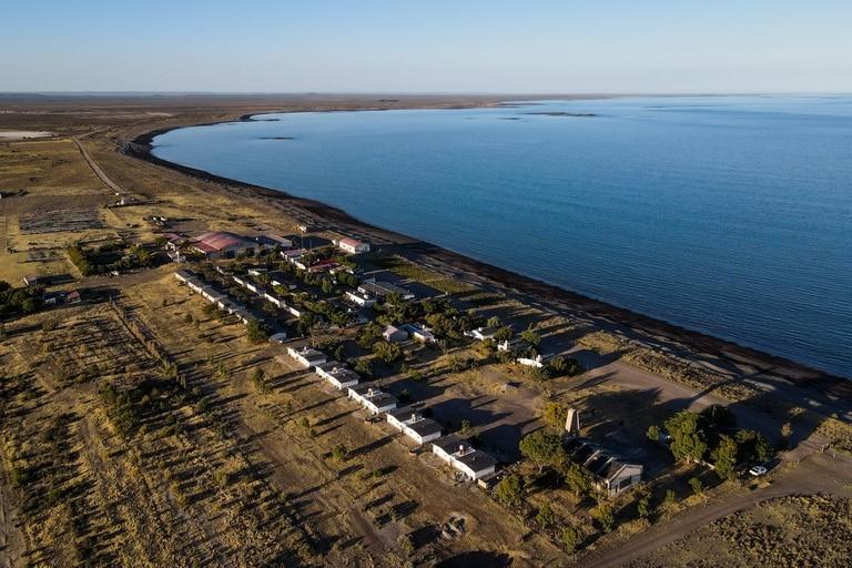 Una vista aérea del exclusivo lodge a orillas de la costa atlántica, en Chubut