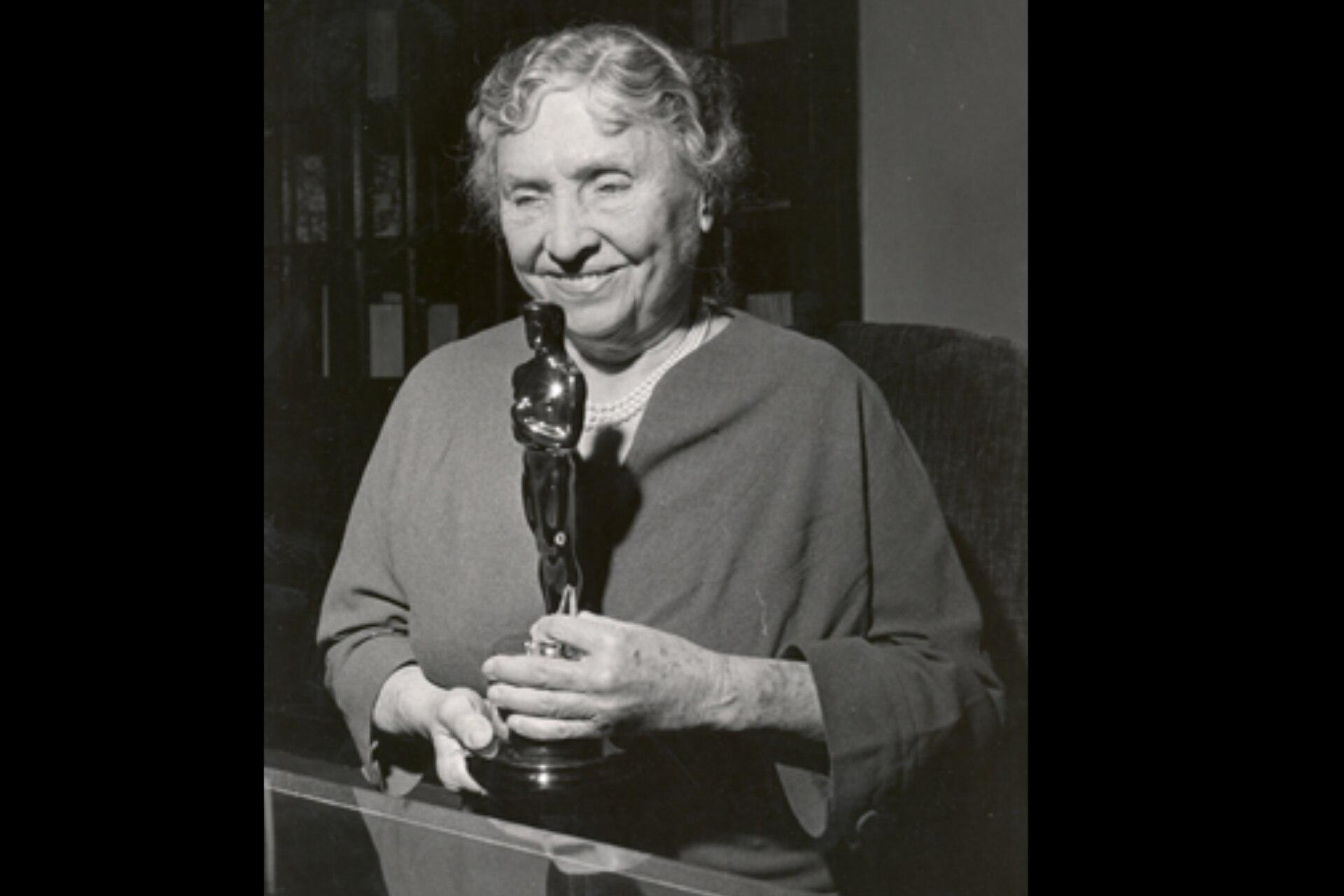 En 1955 le entregaron un premio Oscar honorífico