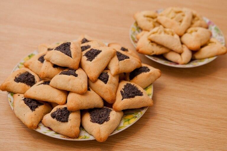 Oznei Amán: galletas rellenas con dulce tradicionales de Purim. Se las suele enviar a los amigos