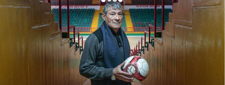 Miguel Ángel Oviedo, el campeón del mundo que ahora recibe gente en un estadio