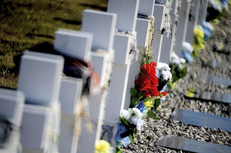 Malvinas: confirman que hay tumbas mal identificadas en el cementerio de Darwin