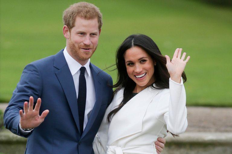 Harry y Meghan. Las fotos del escritorio de la reina fueron clave en su renuncia
