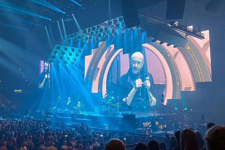 El lunes por la noche, Genesis subió al escenario para dar inicio a su tan esperada gira de reunión 'The Last Domino?'