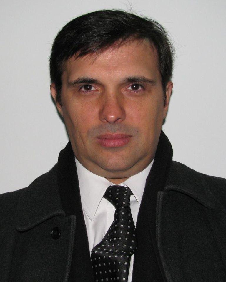 El abogado Mariano José Mera Alba se encuentra prófugo y ofrecen una recompensa de $ 500.000 por datos que permitan su arresto