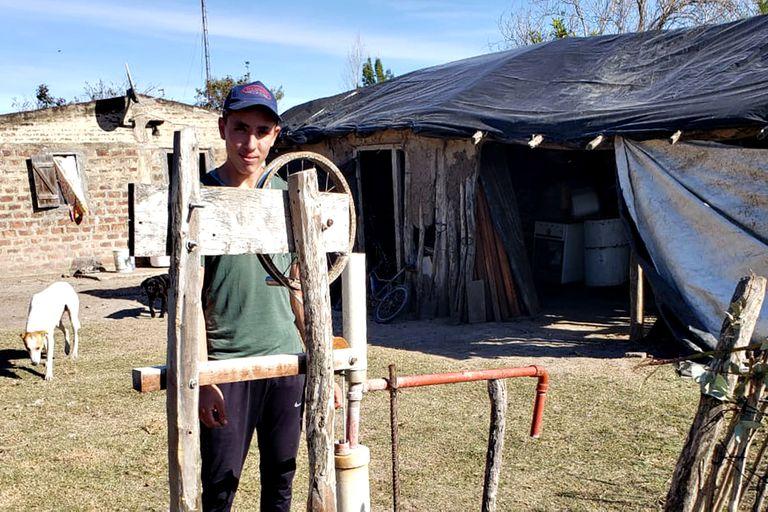 Tiene 16 años: un invento le cambió para siempre su huerta familiar