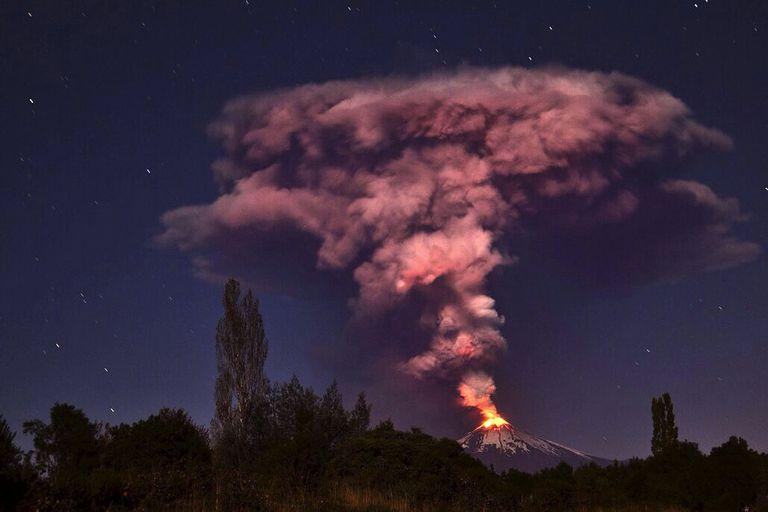 Chile: alerta naranja por una posible erupción en el volcán Villarrica