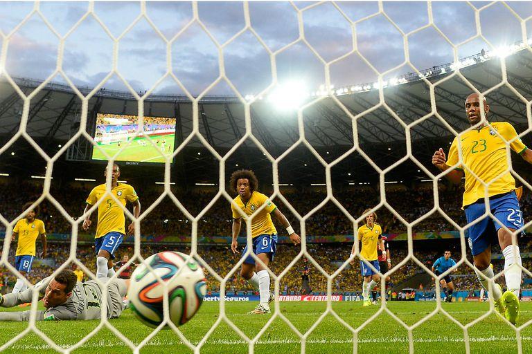 Brasil convierte un mal recuerdo en una causa benéfica: vende las redes del 7-1