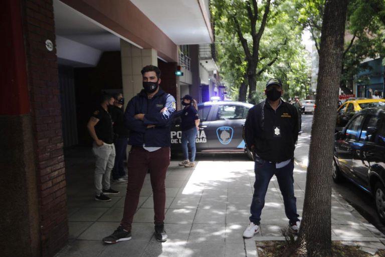 La Justicia allanó el consultorio y el domicilio de la médica psiquiatra Agustina Cosachov, profesional que atendió a Diego Maradona
