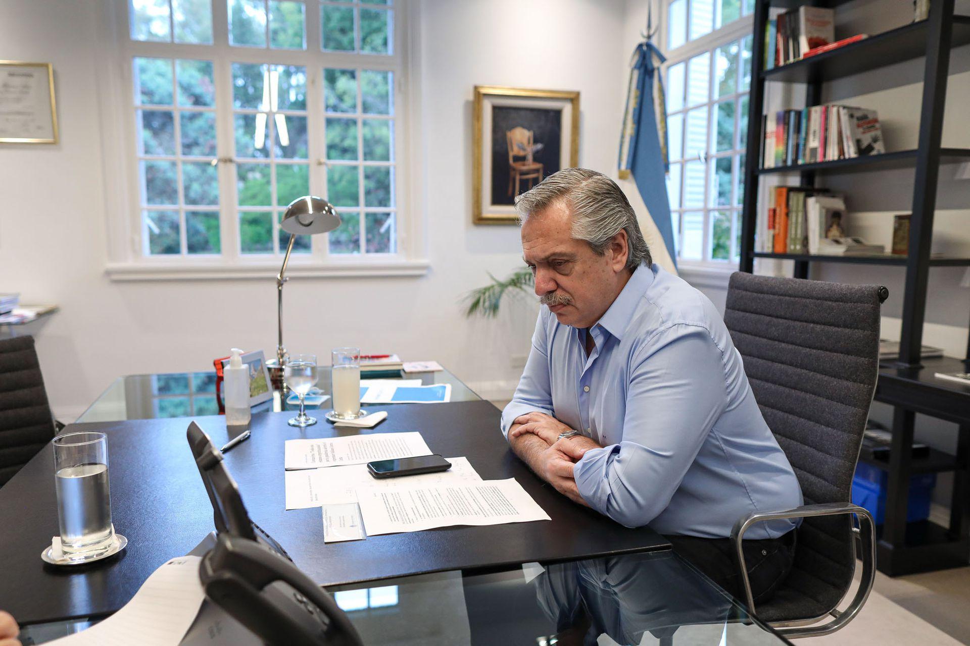 El Presidente recibe el servicio de internet de Arsat en su residencia