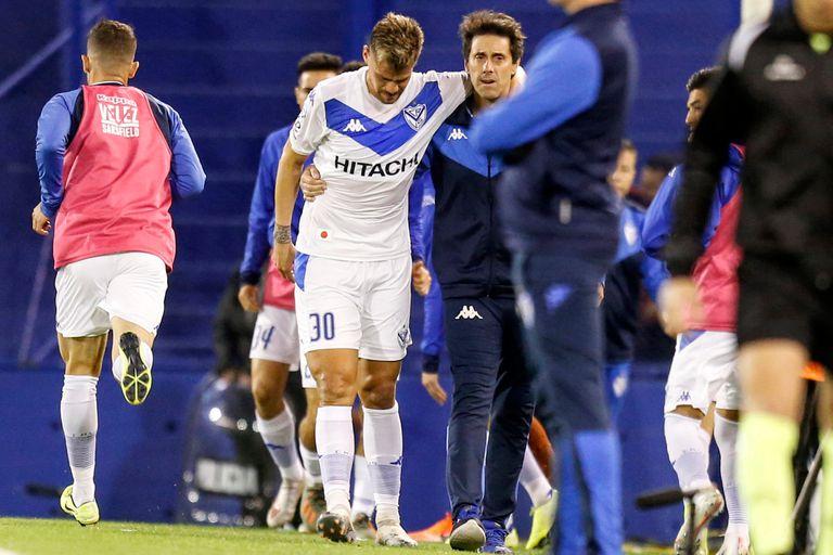 Giménez se retiró lesionado en el primer tiempo.